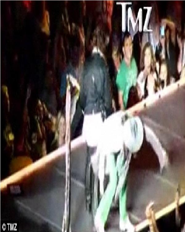 Steve Tyler-Hilarious Concert Fails Ever