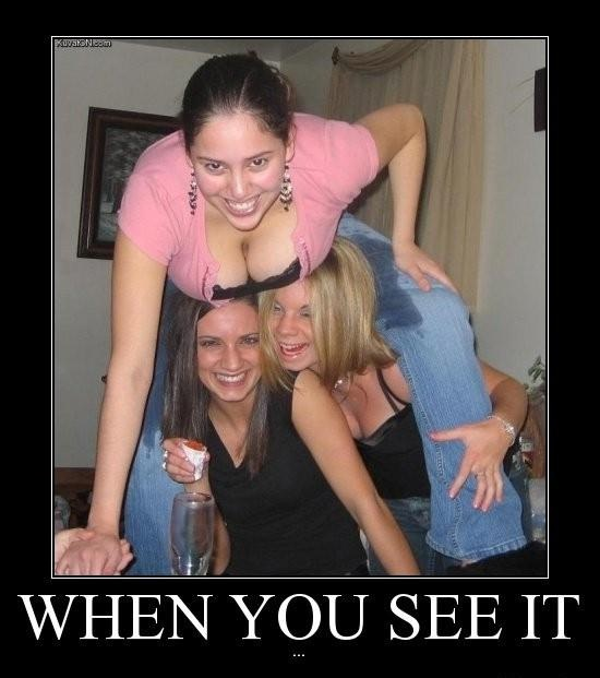 3 friends together-Find Out What's Wrong With These Pics