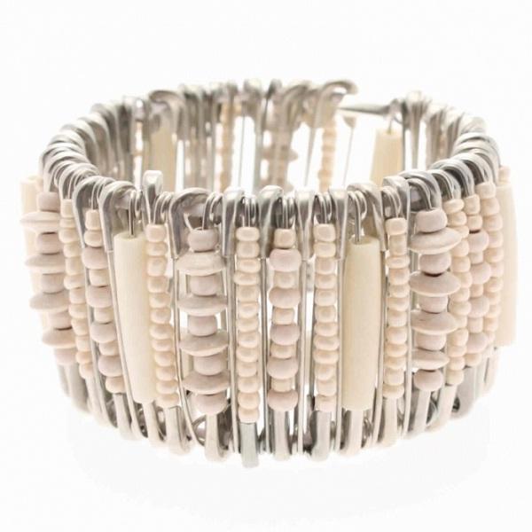 Safety pin bracelet-DIY Jewelry Ideas