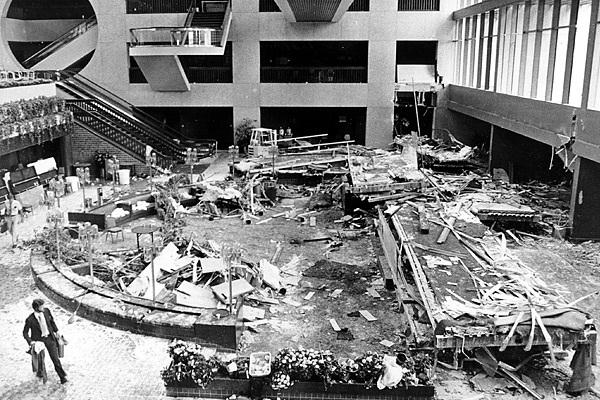 Hyatt Regency walkway-Worst Engineering Disasters