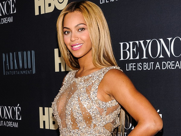 Beyonce-Hot And Fit Celeb Moms