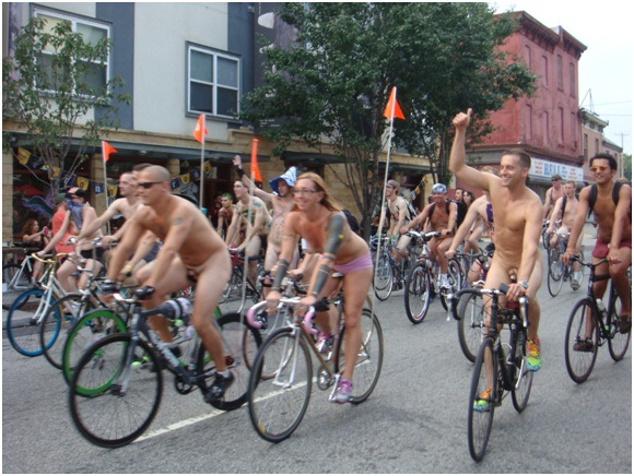World Naked Bike Ride, London-12 Bizarre Naked Events Ever