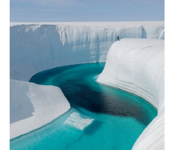 River Wall-Most Amazing Ice Formations