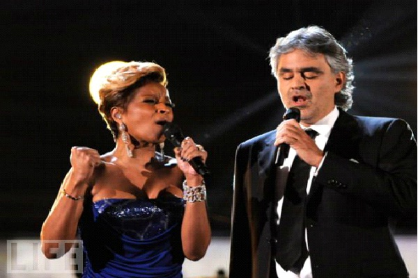 What Child Is - Adrea Bocelli & Mary J. Blige-Best Christmas Duets