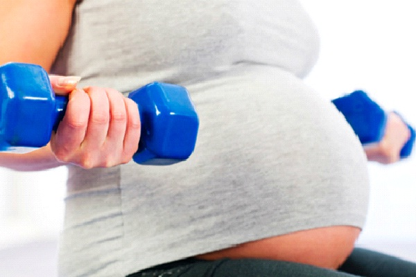 Light Weights-How To Stay Fit During Pregnancy