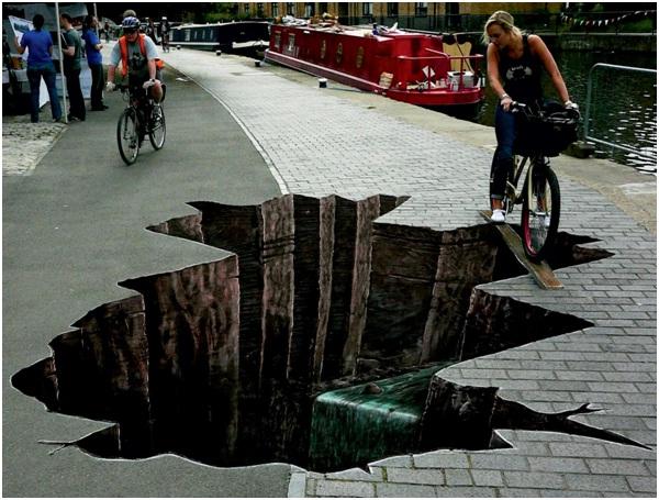 Avoid The Crack-Amazing 3D Street Art