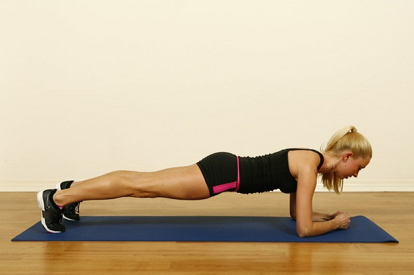 The plank-Simple Yoga Poses To Lose Weight