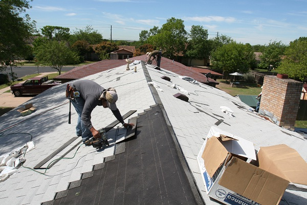 Roofers-Most Dangerous Occupations.