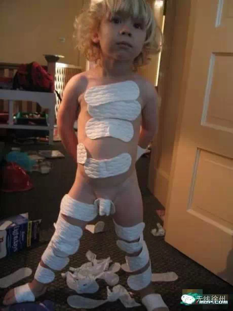 They Said He Could Be Anything, So He Became an Egyptian Mummy-15 Times Kids Were Found Being Silly And Funny