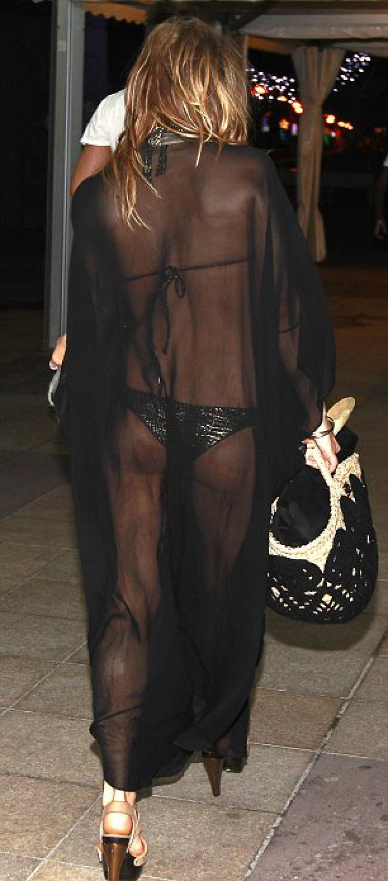 Fergie-12 Celebrities Who Were Spotted Wearing See-Through Clothes