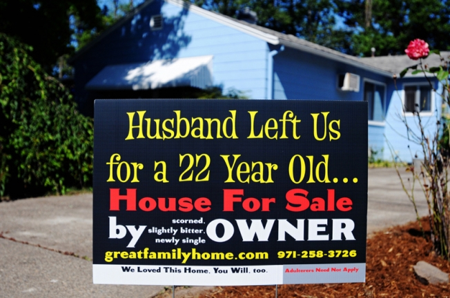 Perfect Way to Advertise a Property and Shame Cheating Husband at the Same Time-15 Times Cheaters Got Owned By Their Partners