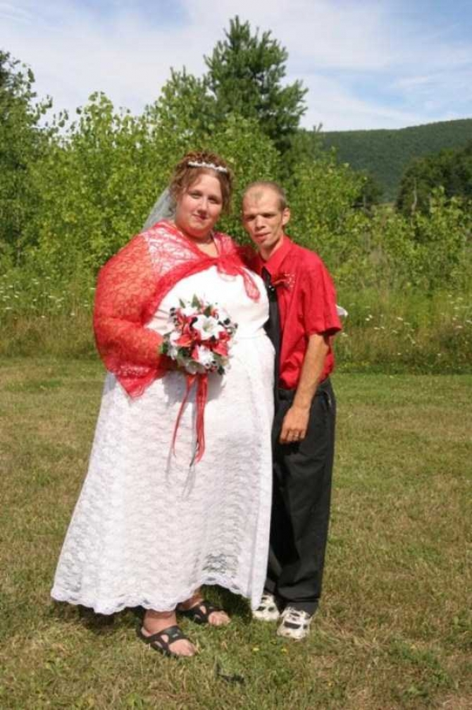This Funny Yet Cute Couple that Struck the Right Balance in Life-15 Funny Redneck Marriage Photos