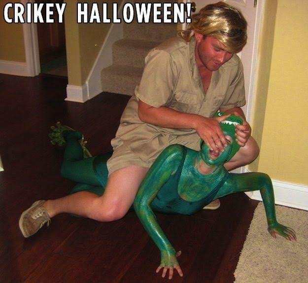 Steve Irwin Costume-Fifteen Halloween Couple Costumes That Are Super Amazing