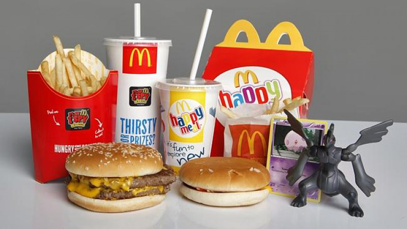 Delivering Happy Meals is a Pain Too-15 McDonald's Secrets Their Employees Are Hiding From You