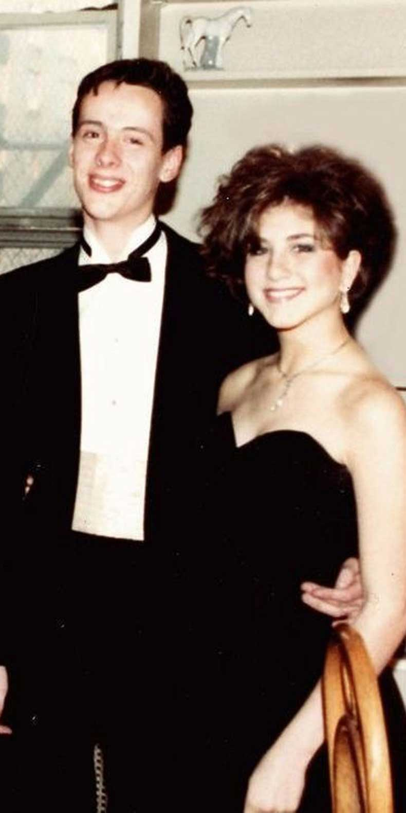 Jennifer Aniston In Her Prom Dress-15 Rare Unseen Celebrity Prom Photos