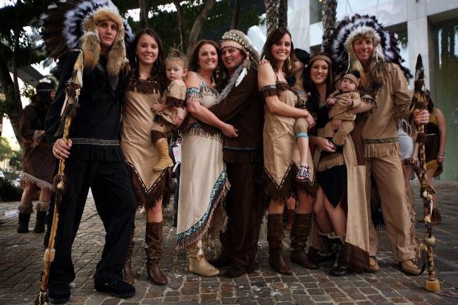 Native American Themed Wedding-15 Most Bizarre Themed Weddings Ever