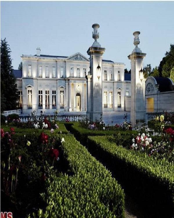 Fleur de Lys-Amazing Mansions