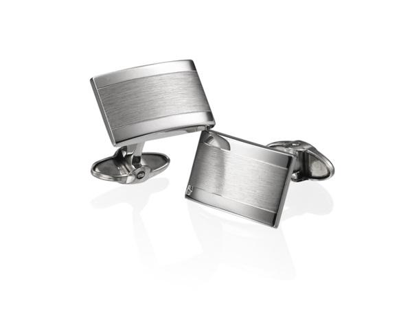 Cufflinks-Best Gifts To Give Your Boyfriend