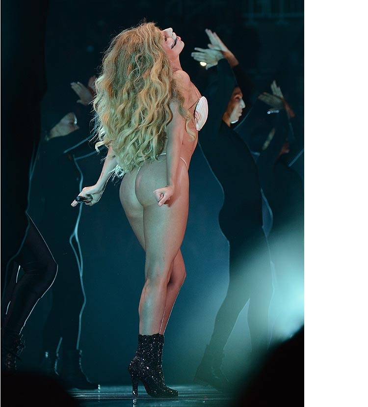 Lady GaGa-Disgusting VMA Photos Ever