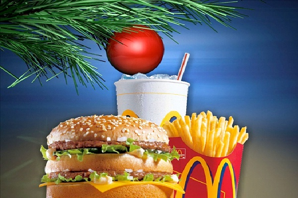 Employees Work On Christmas Day-Reasons Why You Should Not Eat At McDonalds