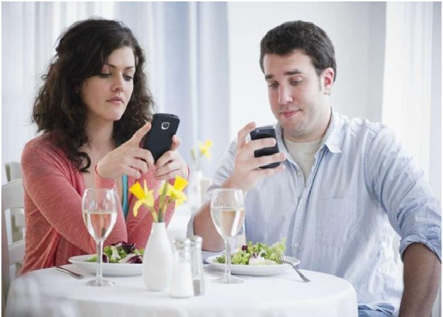 Damaged Relationships-Bad Effects Of Using Mobile Phones