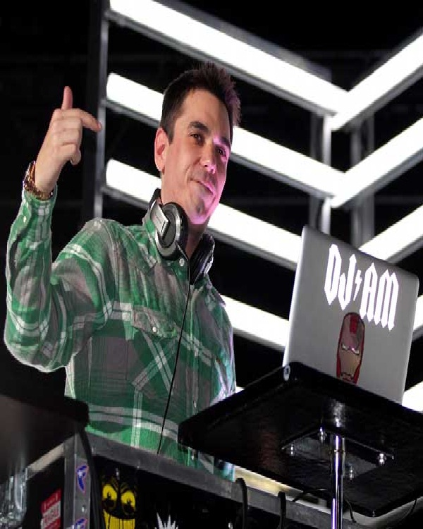 DJ AM 1973-2009-Celebrities Who Died Early