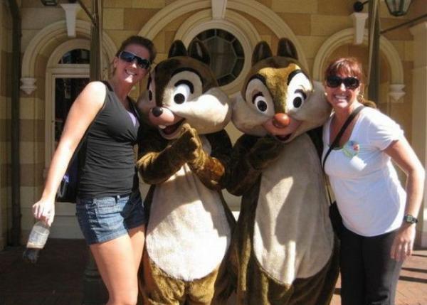 Ohh Chipmunks-Disneyland Fails