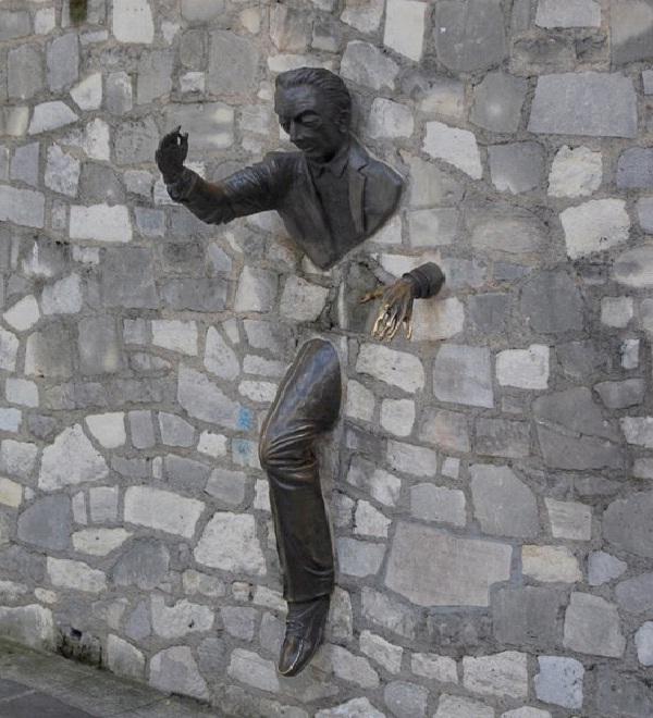 Busting Through - Montmartre, Paris-World's Most Bizarre Statues