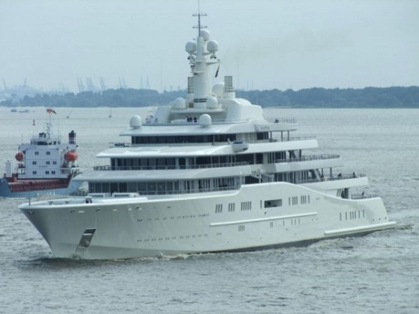 Dubai-Most Amazing Yachts