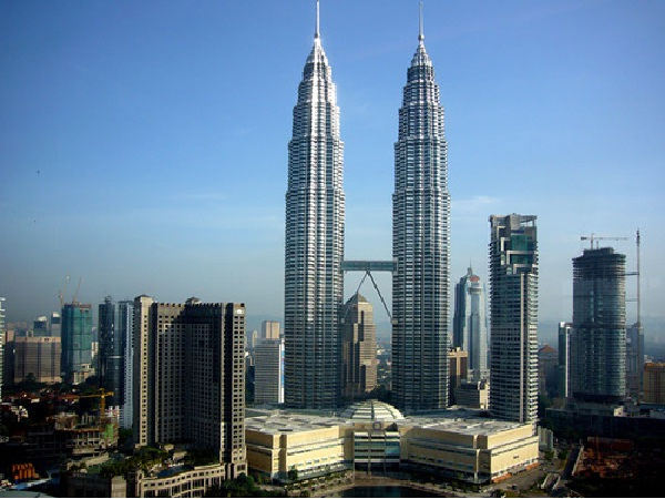 Petronas Tower-Tallest Buildings In The World