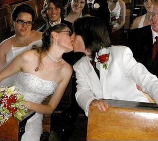 So Jealous-Best Wedding Photo Bomb