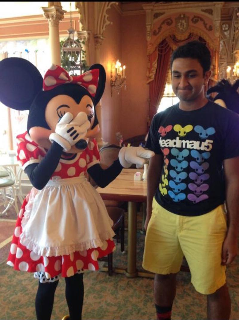 Minnie Meets Deadmau5-15 People Who Had The Perfect Shirt For The Moment