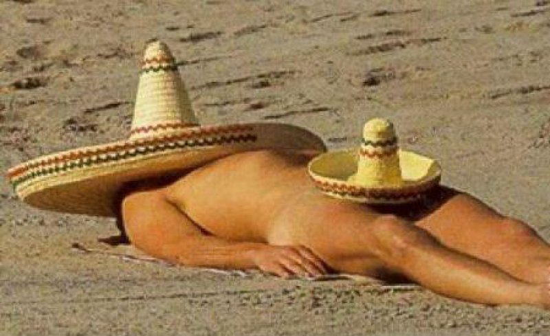 This Hilarious 'Hat Work.'-15 Most Embarrassing Photos Ever Taken At Beach