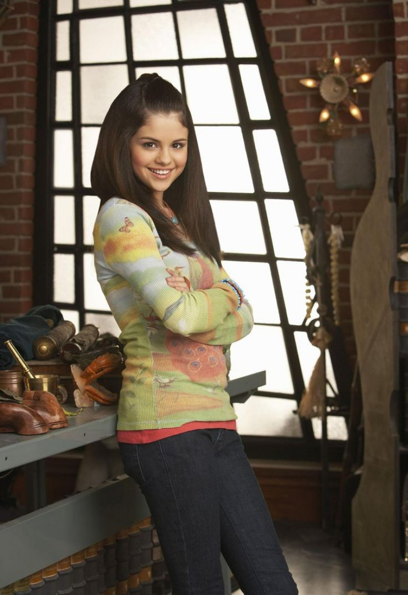 Selena Gomez-15 Popular Disney Channel Stars Then And Now
