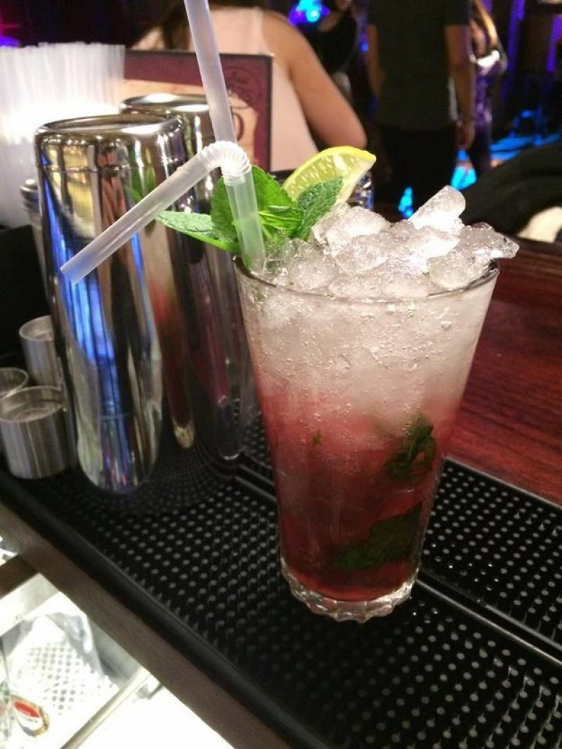 Ginger Beer and Cranberry Juice-15 Drinks You Can Order If You Are Trying To Stay Sober