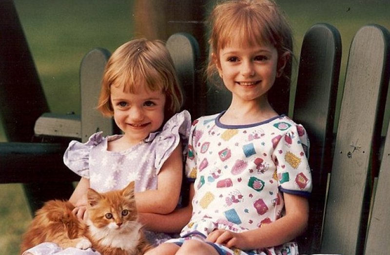 A Childhood Picture of Sarah with Her Sister-Girl Who Spent ,000 To Look Like Disney Princesses