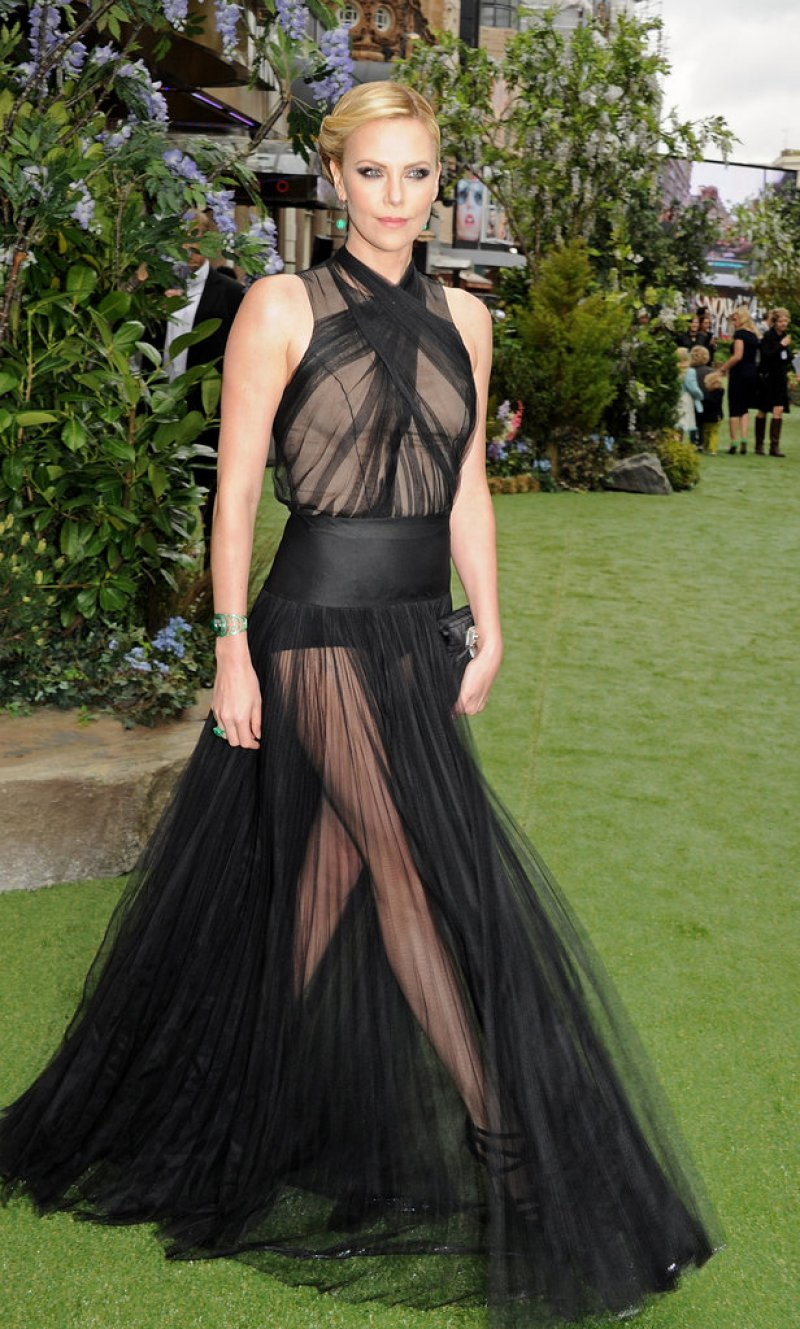 Charlize Theron-12 Celebrities Who Were Spotted Wearing See-Through Clothes
