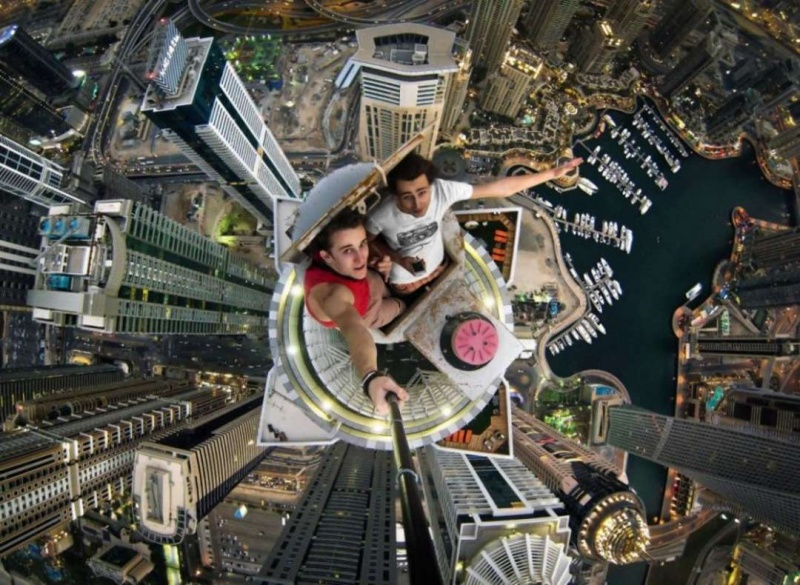 Selfie on top of Dubai's highest buildings-Selfies That Will Make You Cringe