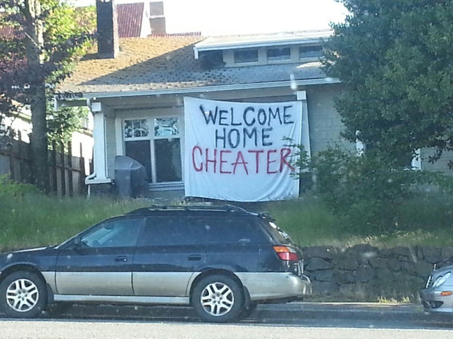 The Most Shocking Welcome Ever-15 Times Cheaters Got Owned By Their Partners