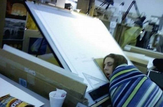 When Uncontrollable Sleep Strikes You at Work-15 People Who Were Caught Taking A Quick Nap At Work