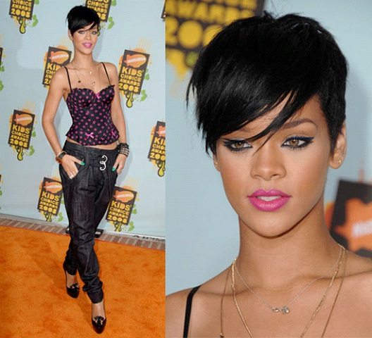 Rihanna-12 Celebrities With Really Short Hair