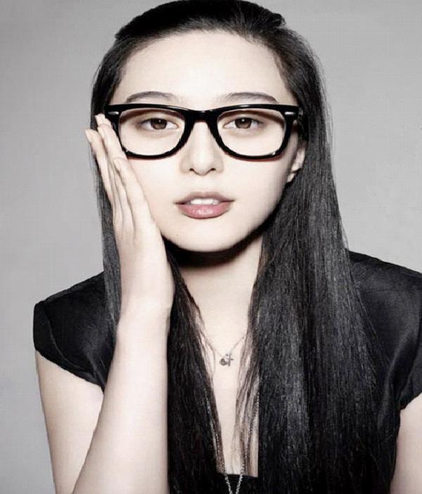 Black Rimmed Glasses-Best Hipster Style