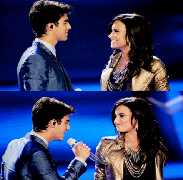 Sing My Song For You - Demi Lovato & Joe Jonas-Best Christmas Duets