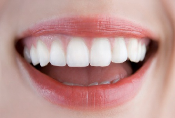 Sparkling Teeth-Amazing Life Hacks You Should Know