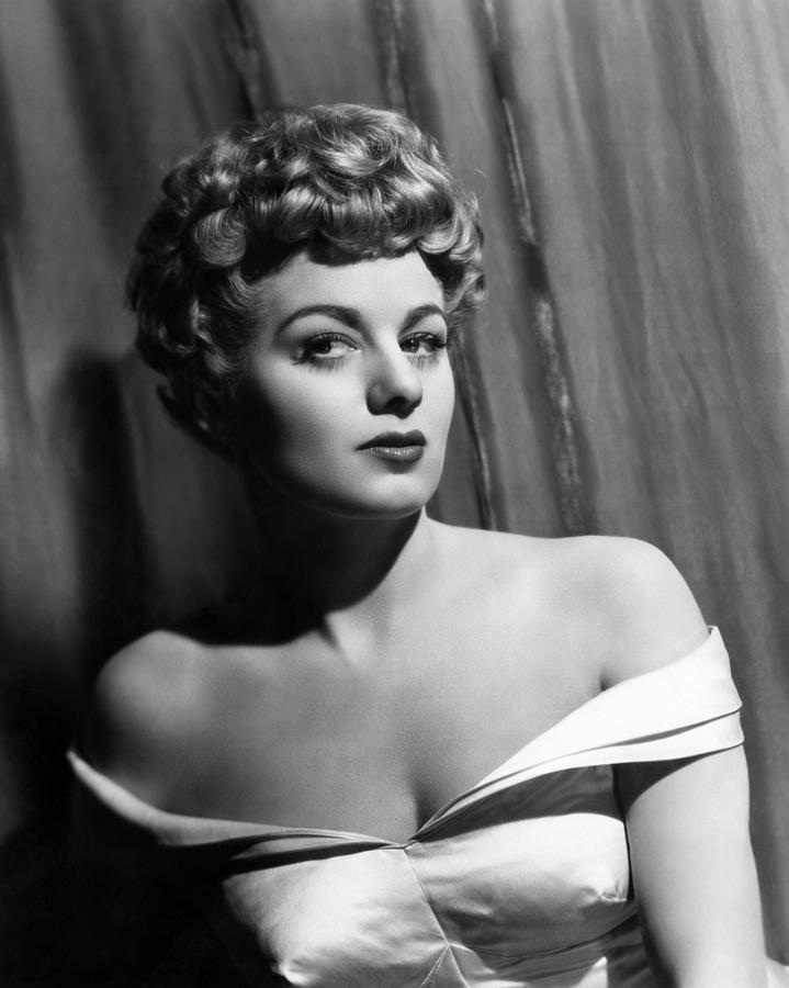 Shelley Winters-Celebs Who Had Abortion
