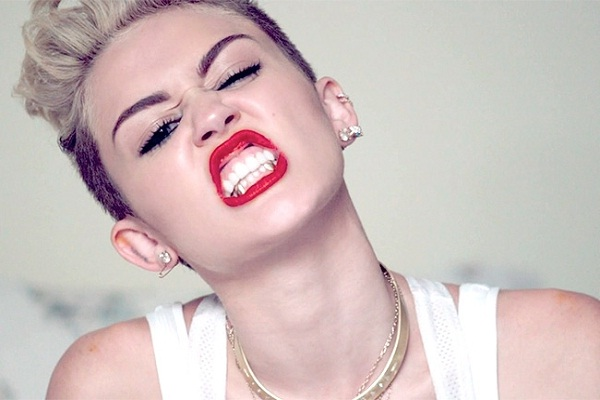 Miley Cyrus Net Worth ($160 Million)-120 Famous Celebrities And Their Net Worth