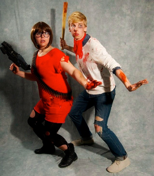 Fred And Velma Fighting Together-24 Best Scooby Doo Cosplays Ever