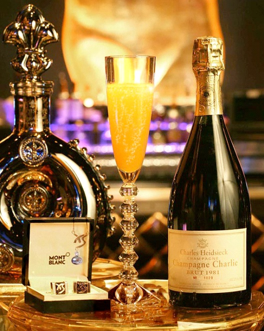 Vegas's Ono Champagne Cocktail - $10,000-Most Expensive Alcoholic Drinks