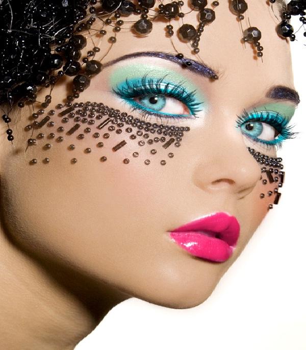 Turquoise Hue-Crazy Eye Make Up