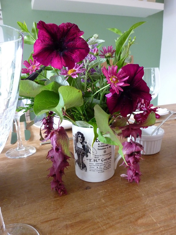 Flowers-Best Ways To Make Your House Look Beautiful